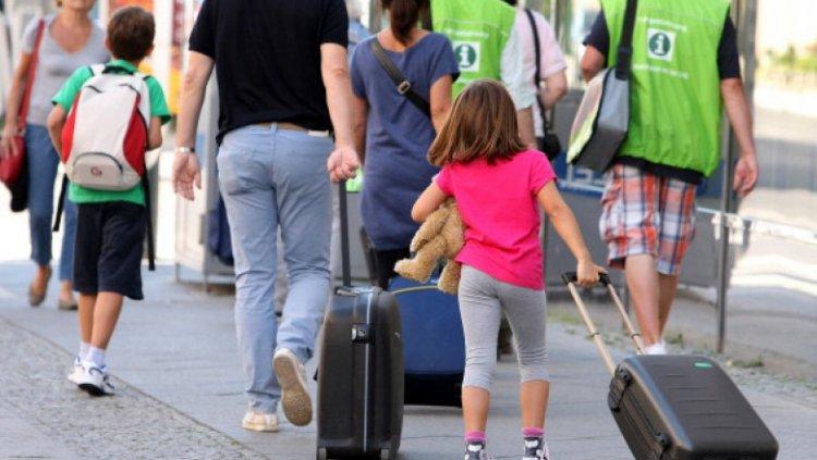 Medic german: Persoanelor nevaccinate anti-COVID nu ar trebui să li se permită să călătorească. Sunt un pericol, chiar dacă se testează