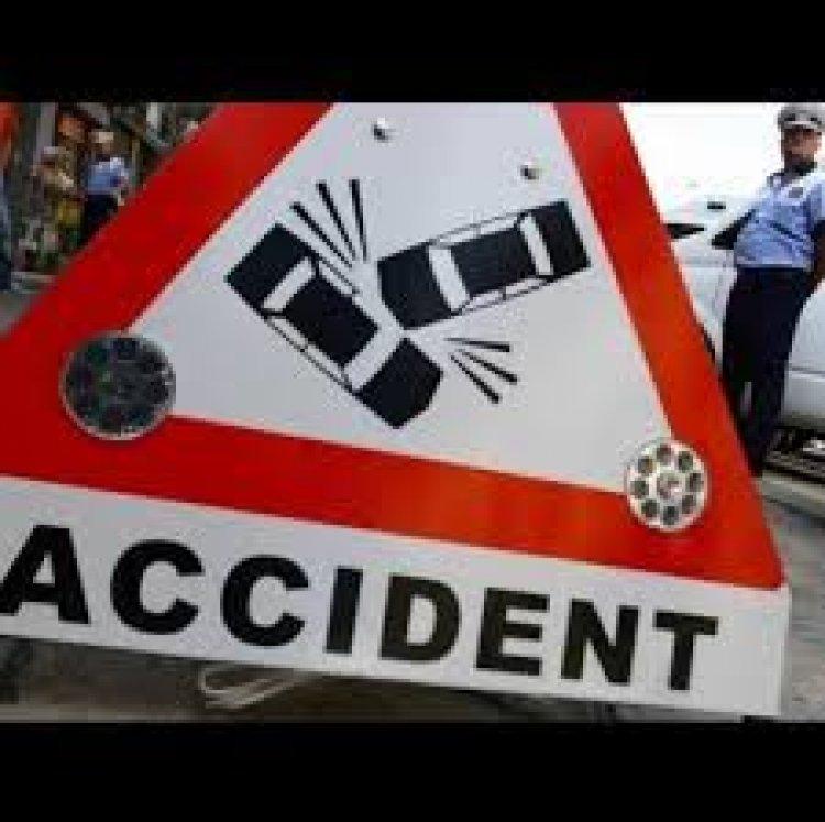 Tanar din Desa , beat si fara permis , a lovit doua masini cu tractorul