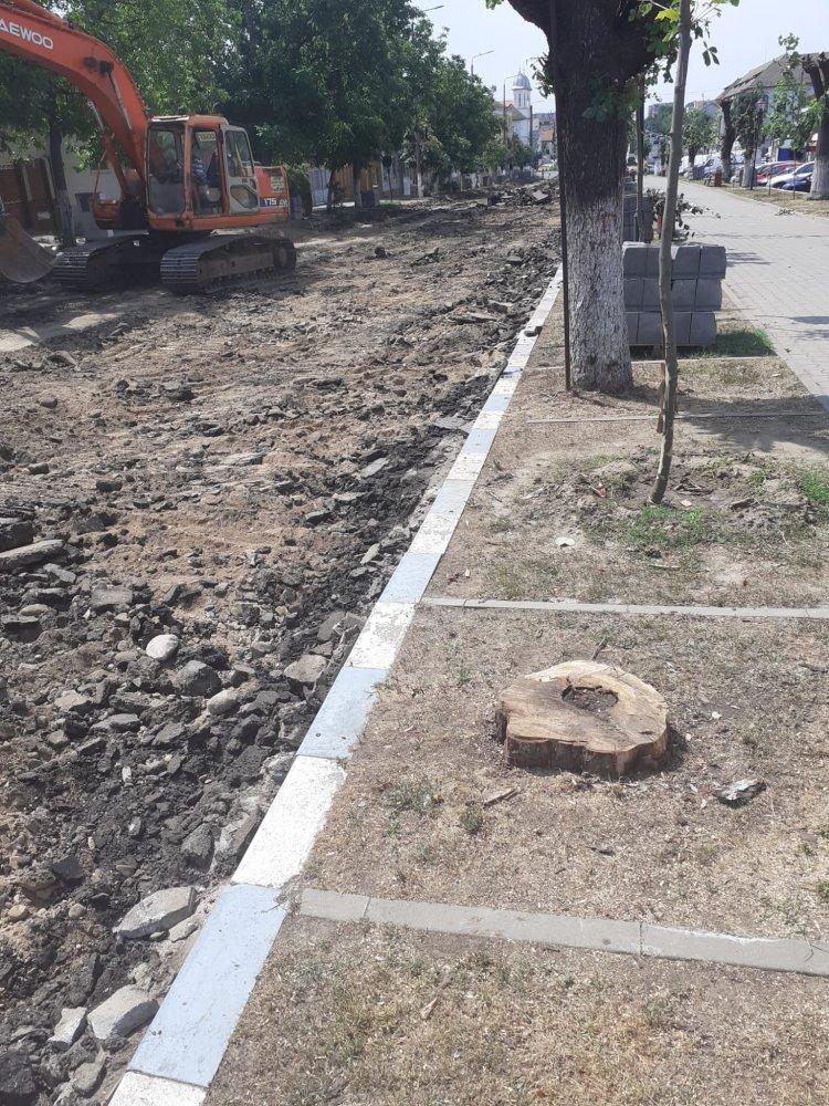 Dupa 2 ani de guvernare si unul de primarie , liberalii nu sunt in stare sa termine proiectele ciumei rosii !