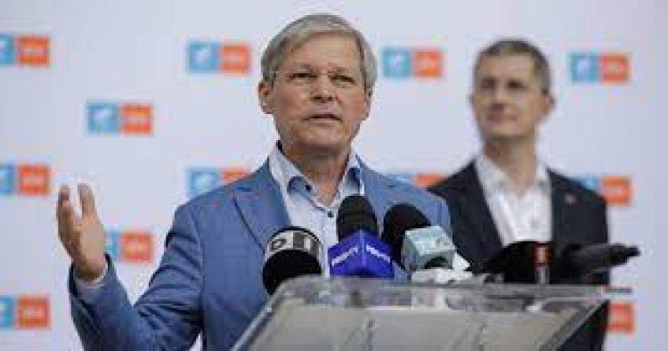 Dacian Cioloș este noul președinte USR-PLUS